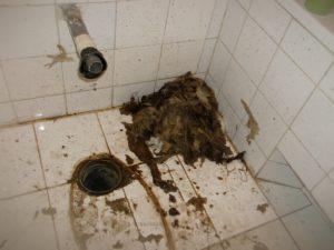 WC duguláselhárítás - wc csésze leszerelésével